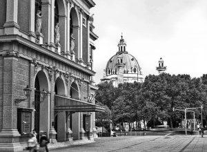 Verein der Musik und die Kirche des Karls in schwarz und weiß und ...