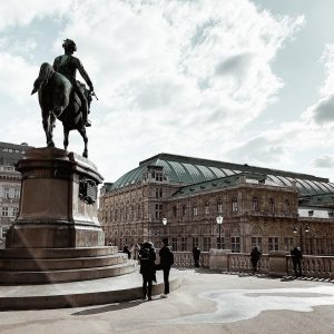 Wien, ich vermisse dich schon sehr..! 💕 Langsam hoffentlich bald wieder 🌸 Heute kurz in Wien im...