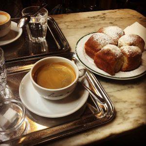 Vienna sundays ❤️ Café Hawelka