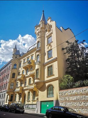 Beautiful Vienna! One can find some houses like this in Vienna. They are like a palais, a...