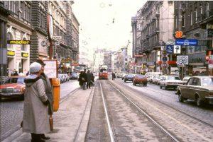Mitraten!🕵️♀️1986 hat sie noch so ausgesehen, die .... - um welche Straße handelt es sich? Foto: TARS631...