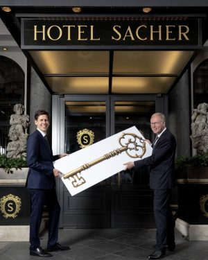 After 32 years of working in the service of Hotel Sacher Wien and ...