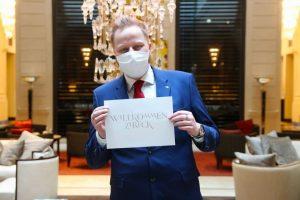 NEWS! Palais Hansen Kempinski Seit 15.05 heißen wir Euch wieder herzlich bei uns in der Lobby willkommen!...