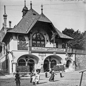 (1900/ÖNB/Wien Wiki) Dornbacher Straße (Dornbach), benannt 1894 zur Wahrung des Ortsnamens Dornbach. Um ...