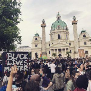 Couldn't believe it - 50.000 in Vienna #blm ✊🏿✊🏾✊🏽✊🏼✊🏻 Karlsplatz