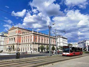 Das berühmte Konzerthaus für klassische Musik, darf nach fast 3 Monaten Corona-Pause wieder für seine Besucher aufspielen....