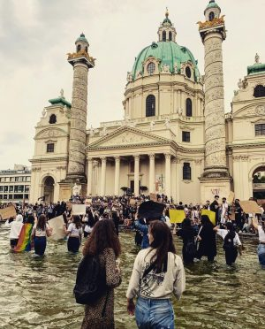 Racism is a pandemic too ✊🏻✊🏽✊🏾✊🏿 Karlsplatz
