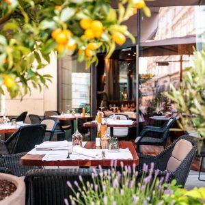 Ab Montag, 15.6.2020 ist unsere Terrasse wieder bis Mitternacht offen, das Restaurant und die Bar bis um...