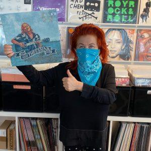 Visiting Schallter Record Store: MILICA THEESSINK, Kulturmanagerin @milica.theessink @hanstheessink #kultur #musik #veranstaltungen #freundin #blues #folk #rootsmusic #supportyourlocalartists...