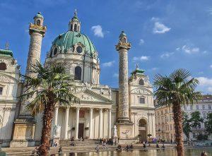 #karlskirche #vienna #wien #karlsplatz #viennaaustria #church #visitaustria #visitvienna #vienna_city #viennablogger #viennacalling #viennanow Karlskirche