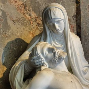 Pietà, Franz Bauer, 1841. #franzbauer #pieta #bildhauerei ##oesterreichischekunst #oesterreichischeskulptur #austrianart #austriansculpture #christiansculpture #christianart #catholicart #catholicsculpture #statue #figurativesculpture...