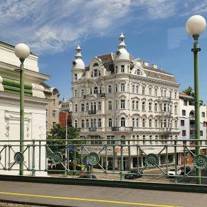 gumpi #igersvienna #igersaustria#gumpi #gürtel #gumpendorferstraße #justgoshoot #exploreeverything #instagood #photooftheday #wien #vienna #architecture #minimalism #minimal #h_dps