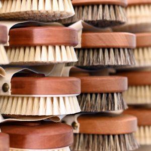 🤩 Erstklassige Bürsten, Scheren und Co: Im Traditionsbetrieb @walterweiss_vienna gibt es über 6500 Produkte und beste Beratung....