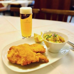 """Anlässlich des 115. Jubiläums servieren wir unser """"Jubiläums-Schnitzel"""". Unter der Woche von 12.00 ..."""