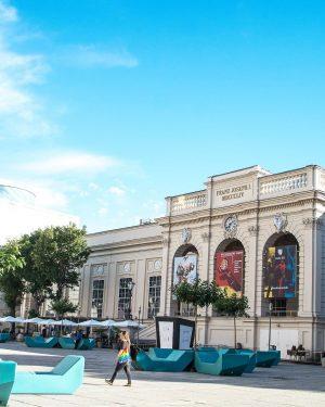 #mqwien #rainbow#regenbogen#summervibes #museumsquartier #kunsthallewien #mumok MQ – MuseumsQuartier Wien