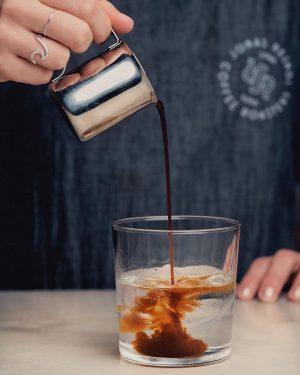 It's Espresso tonic season ☀️ #jonasreindlcoffeeroasters #jonasreindlcoffee #jonasreindl 📷by @_mpix Jonasreindl