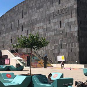 Wien-Nachmittag #kunst #kultur #museumsquartier #ferien #urlaubstageinwien #mumok #zoom #lebenmitkindern MQ – MuseumsQuartier Wien
