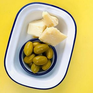 Are you also a fan of olives with some Parmesan cheese ? 🍽 ...