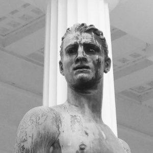 Selling The Drama [ #statue #theseustempel #jugendlicherathlet #ingking_stonyfaced #ingking_series #monochrome #face #drama #athlete ] Volksgarten