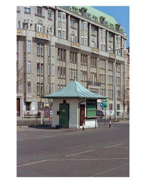 WIEN • Würstelbude [Kodak Ektar 100] ⠀⠀⠀⠀⠀⠀⠀⠀⠀⠀⠀⠀⠀⠀⠀⠀⠀⠀⠀⠀⠀⠀⠀⠀⠀⠀⠀⠀⠀⠀⠀⠀⠀⠀⠀⠀⠀⠀⠀⠀⠀⠀⠀⠀⠀⠀⠀⠀⠀ #tzuio_vienna #thedaily35mm #everybodyfilm #shootfilmmag #filmphotomag #eyephotomagazine #filmisnotdead #filmdiscovered #istillshootfilm #filmphotography...