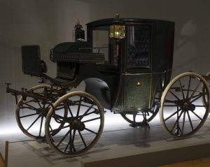 For this summer, our #ImperialCarriageMuseum worked on a special attraction for you: The lanterns of the carriages...