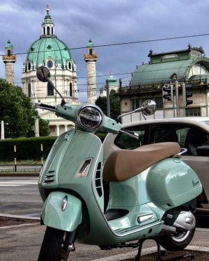𝐆𝐨𝐨𝐝 𝐌𝐨𝐫𝐧𝐢𝐧𝐠 𝐕𝐢𝐞𝐧𝐧𝐚❤️❤️❤️ let's see Vespa lovers??? . . . . . 📸 ...