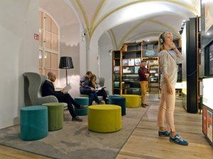 Entdecke Unbekanntes und Unerwartetes und erlebe, wie Literatur neue Horizonte eröffnet. Das Literaturmuseum bietet mit seiner Dauerausstellung,...