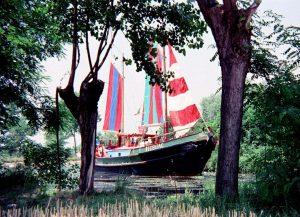 HUNDERTWASSERS REGENTAG ⛵ Für Friedensreich Hundertwasser war sein Schiff