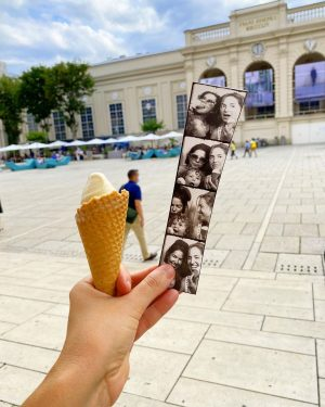 Summer in the city ☀️🍦📸 . #nephewlove💙 #creatememoriesnotthings MQ – MuseumsQuartier Wien