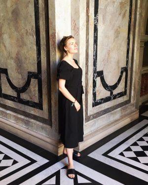 Hier stehe ich im Kunsthistorischen Museum Wien, einem der schönsten Gebäude der Welt, und genieße die Symmetrie...