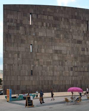 MQ MUMOK _____________ #viennanow #wienistanders #summerinthecity #sommerinwien #sommerinvienna #wien #vienna #museumlover #mumok