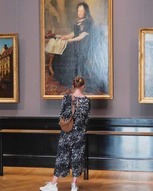 #peoplematchingartworks #antonvonmaron #kunsthistorischesmuseum #stefandraschan #photography #contemporaryart #vienna