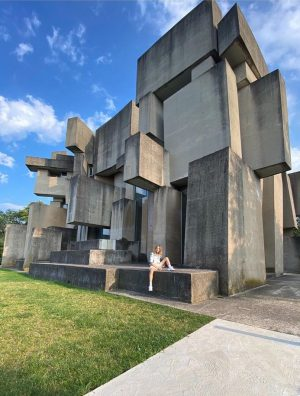 𝘛𝘩𝘦 𝘞𝘰𝘵𝘳𝘶𝘣𝘢 𝘤𝘩𝘶𝘳𝘤𝘩 - a rare example of Brutalist architecture in Austria is located in Mauer, on...