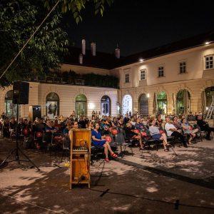 Lauschig und spannend war der 2. Filmabend des Architektur.Film.Sommer 2020... Fotos: Pablo Leiva ...