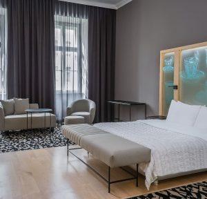 😎 Hot summer, cool rooms at #LeMeridienVienna . . . #vienna #visitvienna #checkin ...