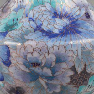 Cloisonné 🎎🏺 #Cloisonné, also called cellular enamel, is an #artisan technique for #enamel work. For the manufacturing...