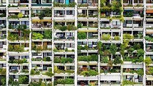 Harry Glück • Alterlaa, 1976 🏢🏢🏢 #wienerwohnutopien #harryglück #alterlaa #housing #architecture #residentialpark #vertical #stacked #terracegarden #rooftoppool #citywithinacity...