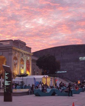 #viennalovers❤️️ #viennaaustria #culture #mqvienna #museumsquartier #sunset #summer2020 #wienevents #sommerabende