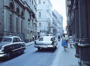 Für einen Moment bleiben wir noch im Jahr 1959 und schlendern durch die Herrengasse im ersten Bezirk....