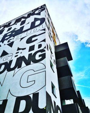 Instawalk in der Freien Mitte am ehemaligem Nordbahnhof . #ankommenundlosleben #quartiersmanagement #freiemitte #brunomarekallee #igersaustria #wienmalanders #architecture #architecturephotography...