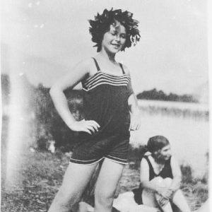 Auf Sommerfrische mit Hedy Lamarr! 😀🌊 In ihrer Kindheit und Jugend verbrachte die ...