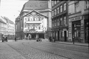 (1930/ÖNB/Wikipedia) Das Wiener Stadttheater (auch Neues Wiener Stadttheater) in der Josefstadt wurde 1914 von dem bedeutenden, aus...