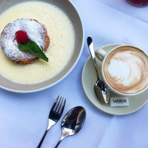 ☕️💕#café #vienna #igersvienna #igersaustria #coffee #capuccino #coffeelover Lugeck Figlmüller Wien