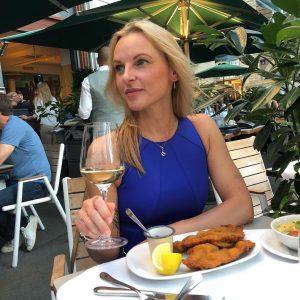 #wienerschnitzel #enjoylife #viennacitylife #dinner #sundayslikethis #winelover #summernights Lugeck Figlmüller Wien