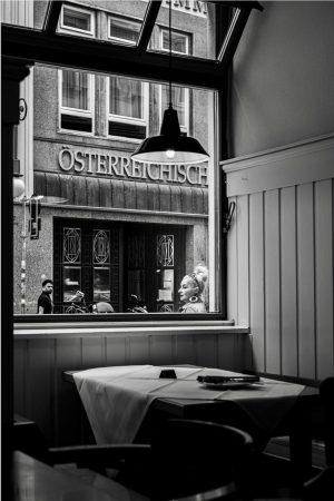 Vienna, Austria. 2020 . . . #wienersofinstagram #blackandwhitephotography #gasthaus #wienerschnitzel #window #viennaaustria #eyephotomagazine #35mmphotography #schnitzel #wien🇦🇹 #vienna...