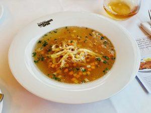 Lunchtime 😋Österreichisches Essen, Original Wiener Schnitzel. Plachuttas Gasthaus zur Oper