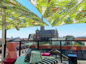 Dieser Sommer hat, auch dank Corona, zu einem Boom der Rooftop-Bars geführt! 🥂 Im Freien, mit guter...