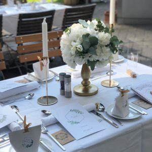 Menükarte - Gastgeschenke - Was gehört alles auf die Gästetische ? #brautkleid #brautfrisur ...