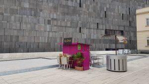 'Aloha' - #🇦🇹 #Wien #Österreich #vienna #austria #architecture #museumsquartier #Aloha #wienstagram #viennagram #viennanow #vienna_austria #viennablogger #viennagoforit #igersvienna...