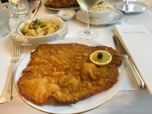 Hello #vienna and the best #wienerschnitzel #schnitzellove Meissl & Schadn - Restaurant Vienna